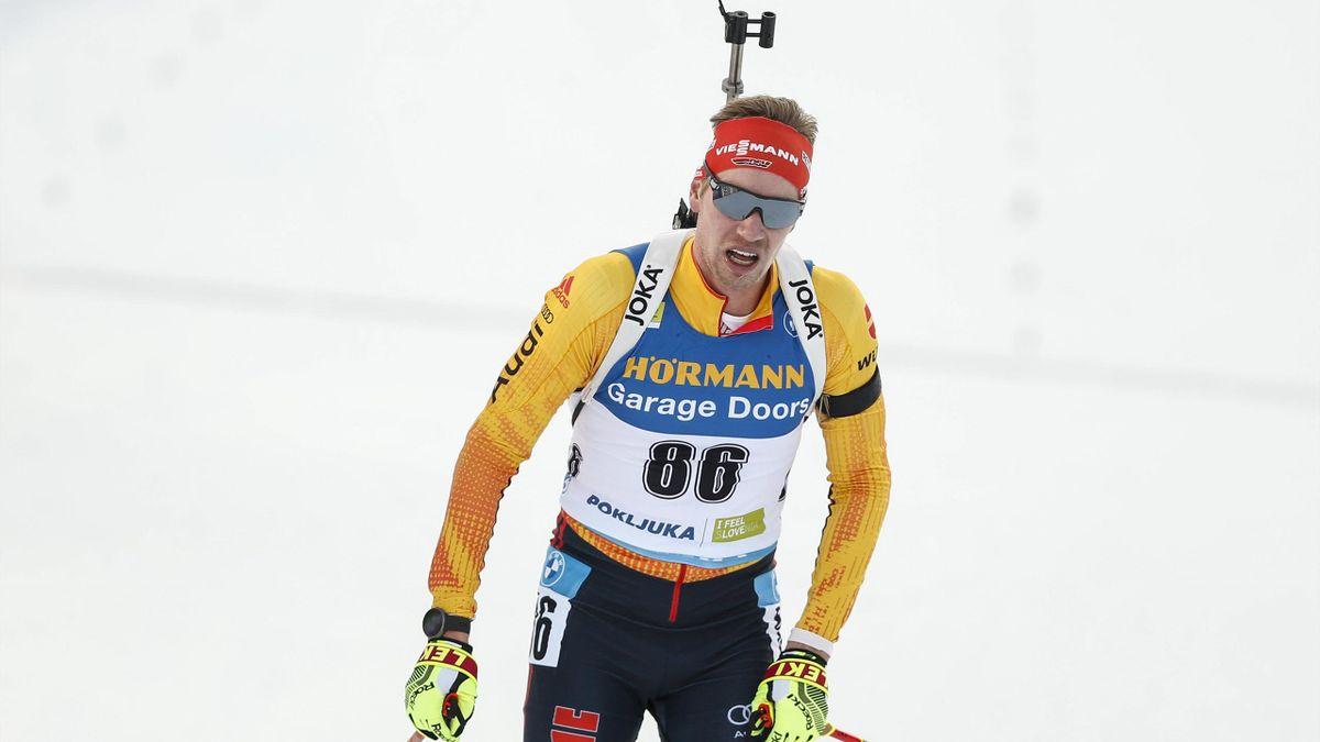 Johannes Kühn gab in Nove Mesto im Sprint nach fünf Fahrkarten im Stehendanschlag das Rennen auf