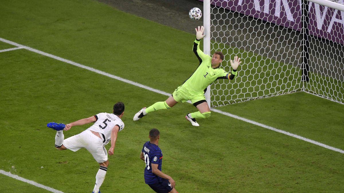 Hummels beffa Neuer e fa autogol durante Francia-Germania - Europei 2021