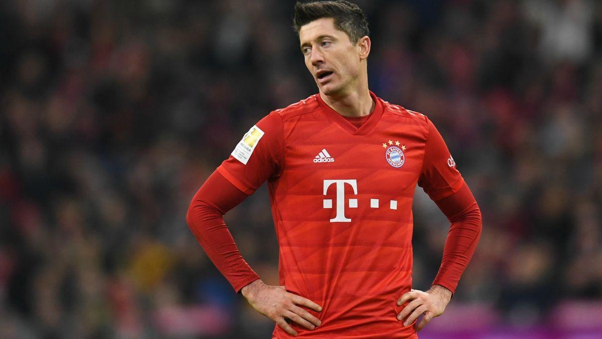 Robert Lewandowski (Bayern Munich) contre le Bayer Leverkusen