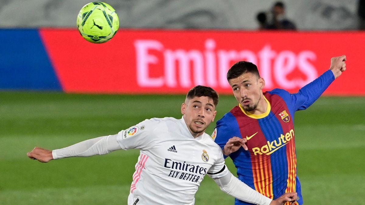 Federico Valverde (l.) gegen Barcelonas Clement Lenglet