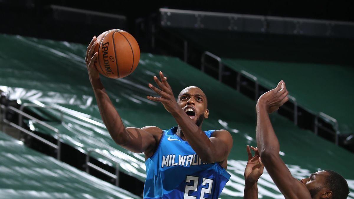 Middleton au lay up face à Golden State