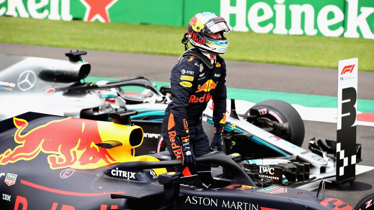 Pole position qualifier Daniel Ricciardo of Australia and Red Bull Racing celebrates in parc ferme during qualifying for the Formula One Grand Prix of Mexico at Autodromo Hermanos Rodriguez on October 27, 2018 in Mexico City, Mexico
