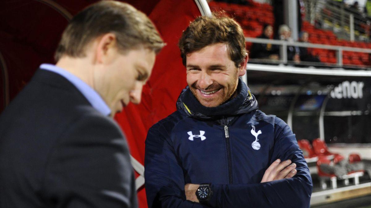 Andre Villas-Boas i dialog med Steinar Nilsen fra Europa League-oppgjøret mellom Tromsø og Tottenham i 2013