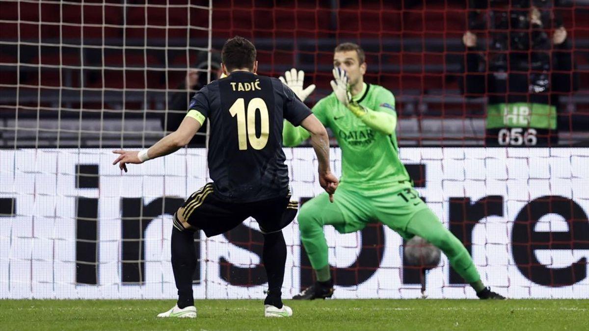 Pau Lopez para il rigore a Tadic - Ajax-Roma Europa League 2020-21