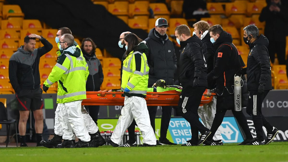 Rui Patricio of Wolverhampton Wanderers is stretchered off after suffering an injury during the Premier League match between Wolverhampton Wanderers and Liverpool at Molineux