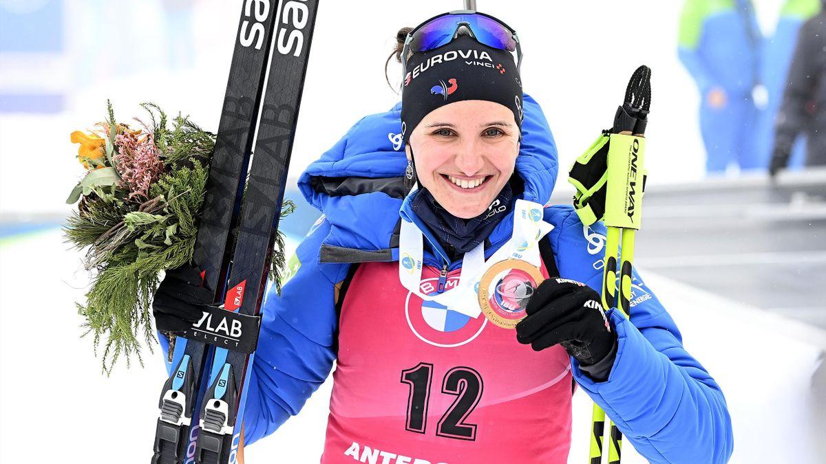 Julia Simon, encore vainqueur de la mass-start à Anterselva