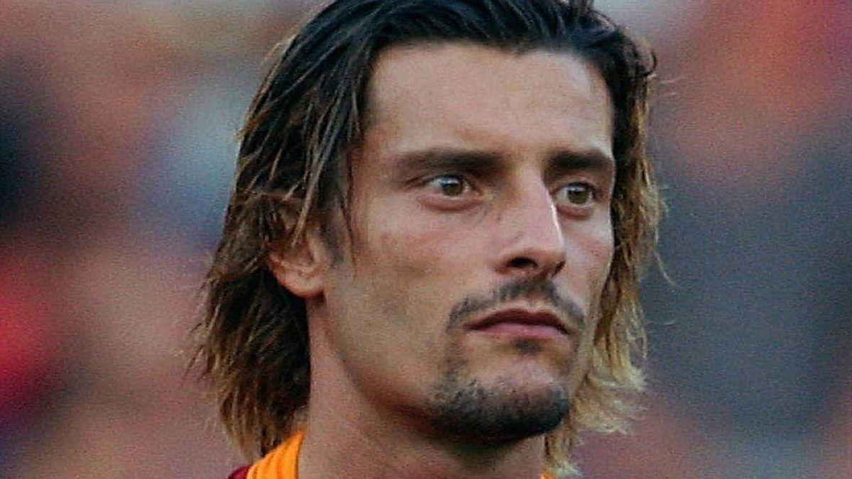 Gigi Sartor con la maglia della Roma