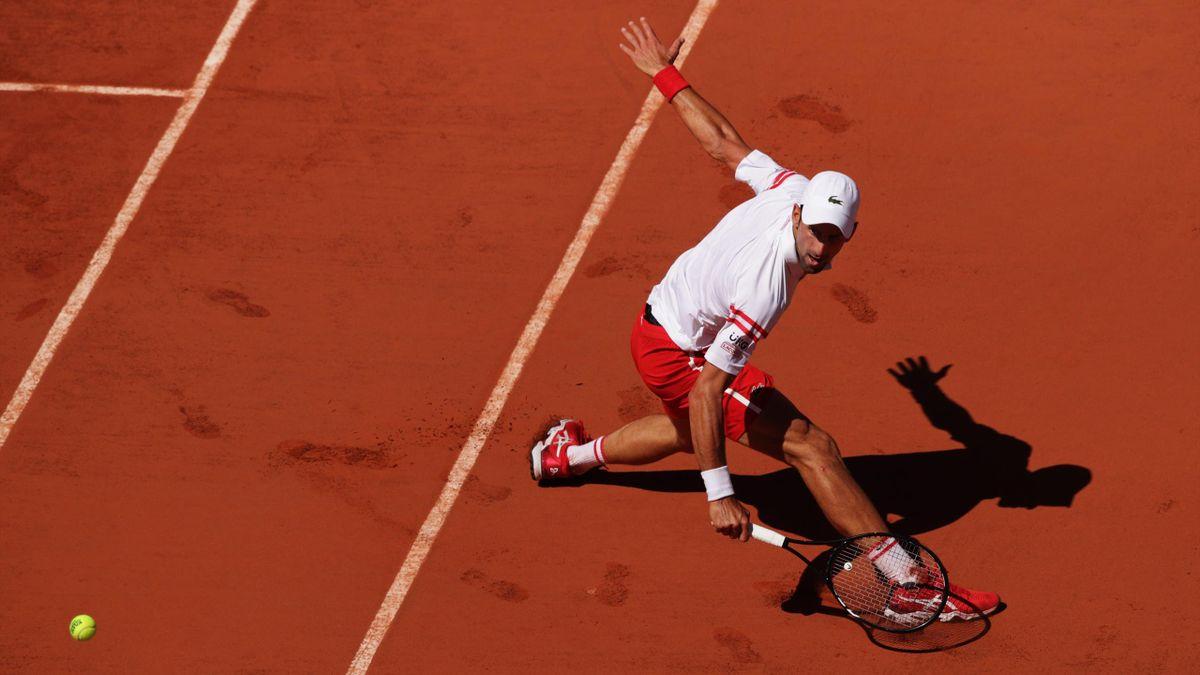 Roland-Garros: Djokovic amazing dropshot
