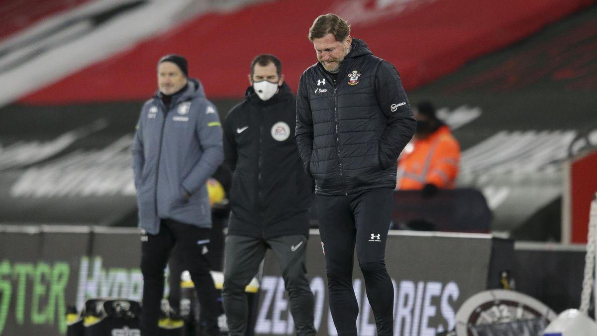 Southampton-Teammanager Ralph Hasenhüttl mag gar nicht mehr hinsehen: Seine Mannschaft verlor bei Manchester United 0:9