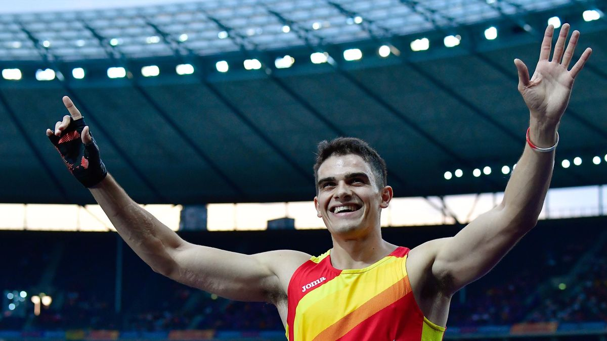 Bruno Hortelano celebra su pase a la final de los 200 metros de los Europeos de atletismo de Berlín 2018