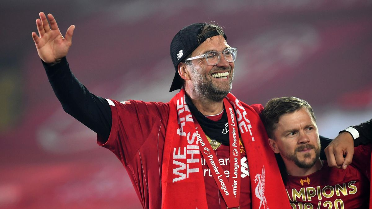 Jurgen Klopp sărbătorește alături de elevii săi cucerirea Premier League