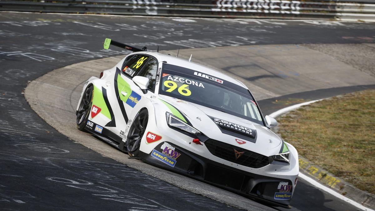 Zengő Motorsport, Mikel Azcona