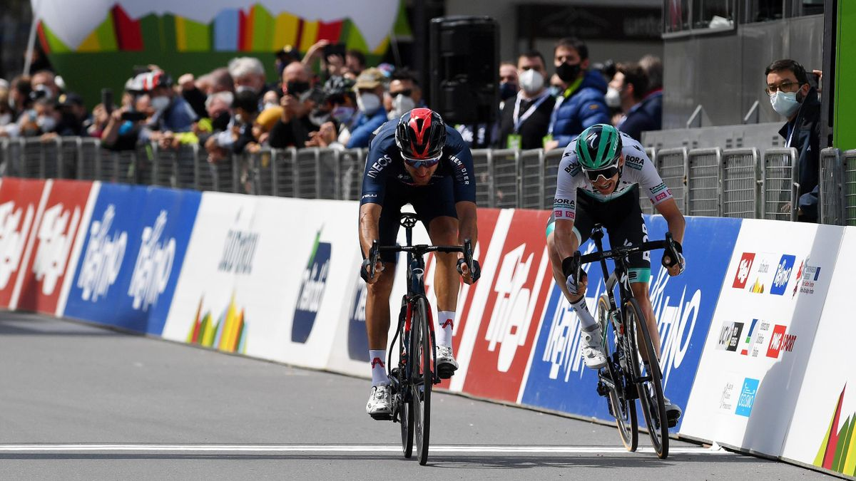 Moscon beats Grosschartner to the finish line