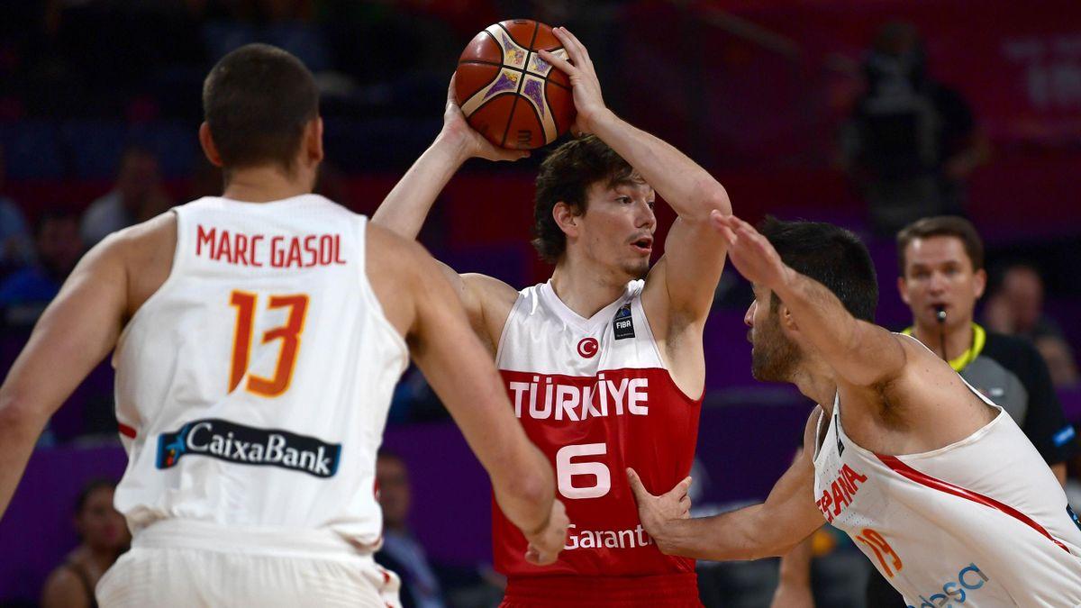 Cedi Osman face à Marc Gasol lors d'Espagne - Turquie, EuroBasket 2017