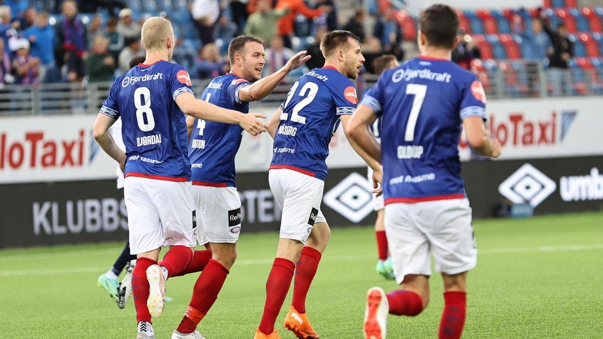 Vålerengas Ivan Näsberg jubler for 2-0-scoringen mot Gent.