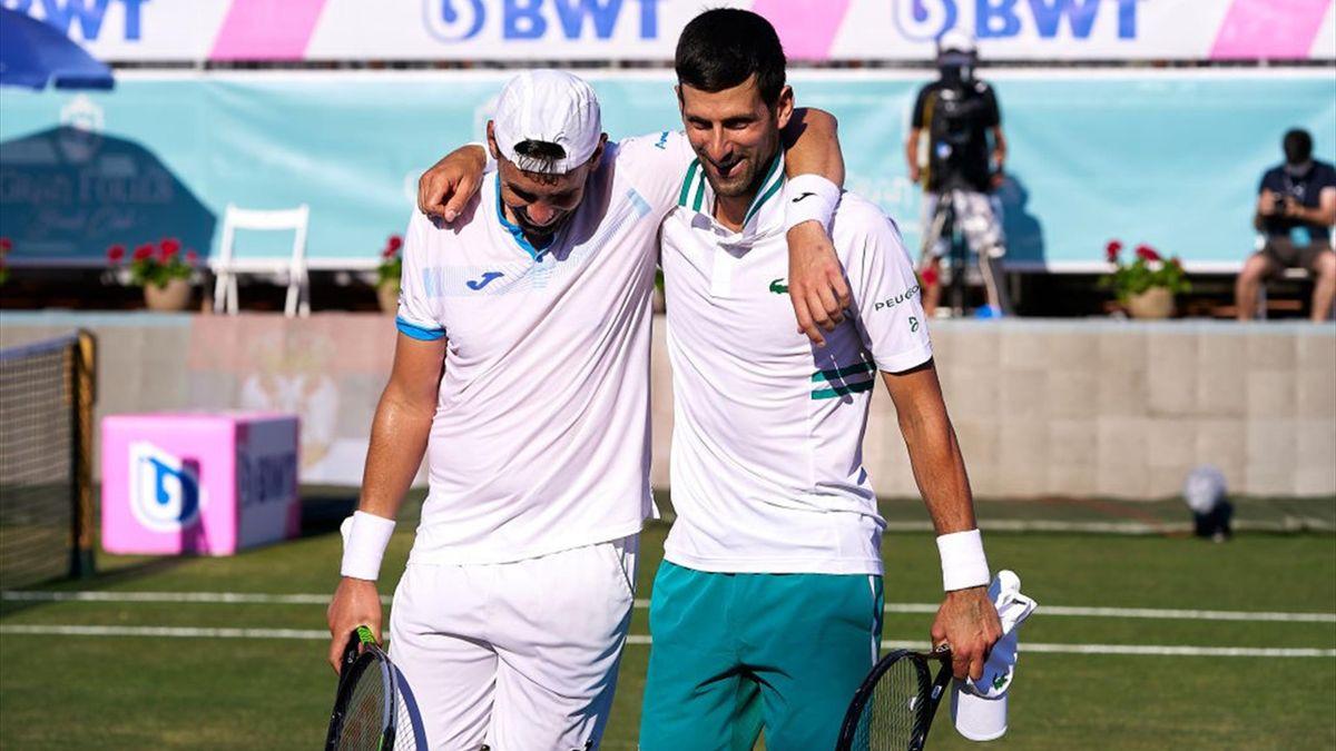 Novak Djokovic et Carlos Gomez-Herrera