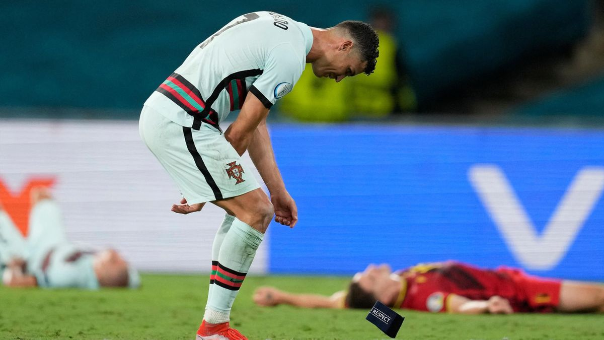 Криштиану Роналду бросил капитанскую повязку в матче Бельгия – Португалия, Евро-2020