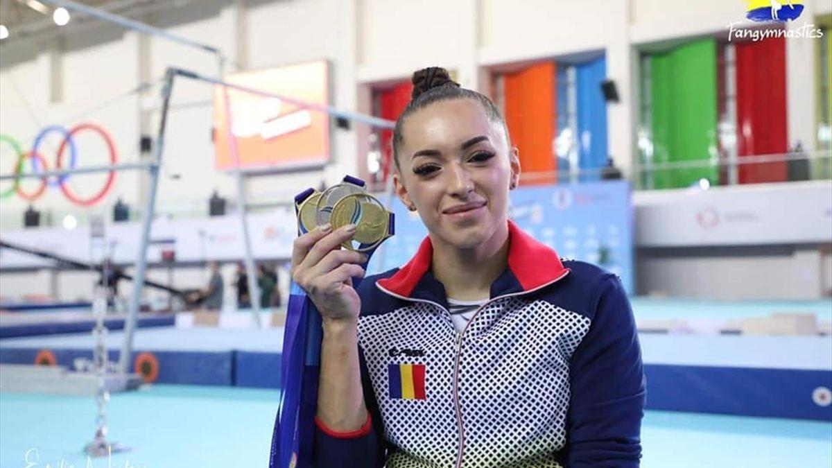 Larisa Iordache. Sursa foto: Federația Română de Gimnastică via Facebook