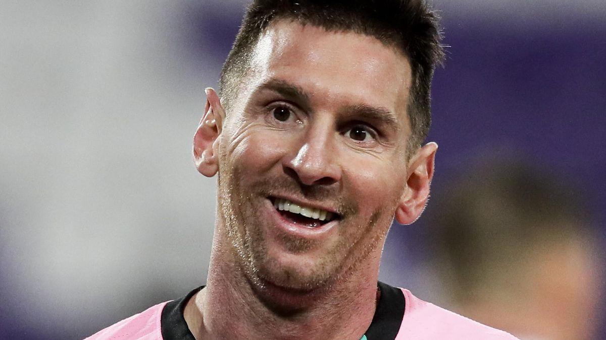 Lionel Messi of FC Barcelona during the La Liga Santander match between Real Valladolid v FC Barcelona
