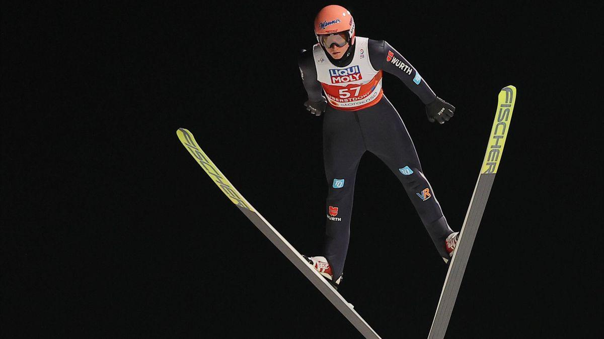 Karl Geiger bei der WM in Oberstdorf in der Qualifikation von der Normalschanze