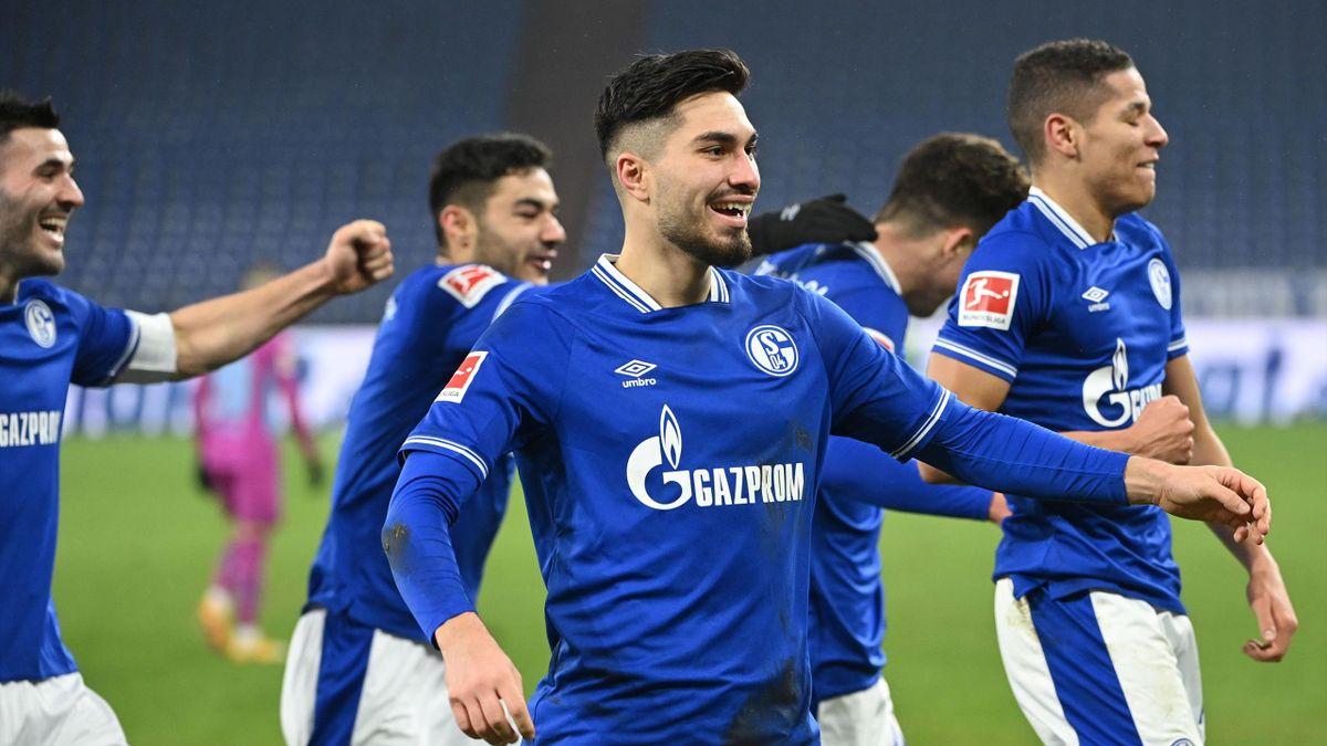 Der FC Schalke 04 hat mit dem Hauptsponsor verlängert