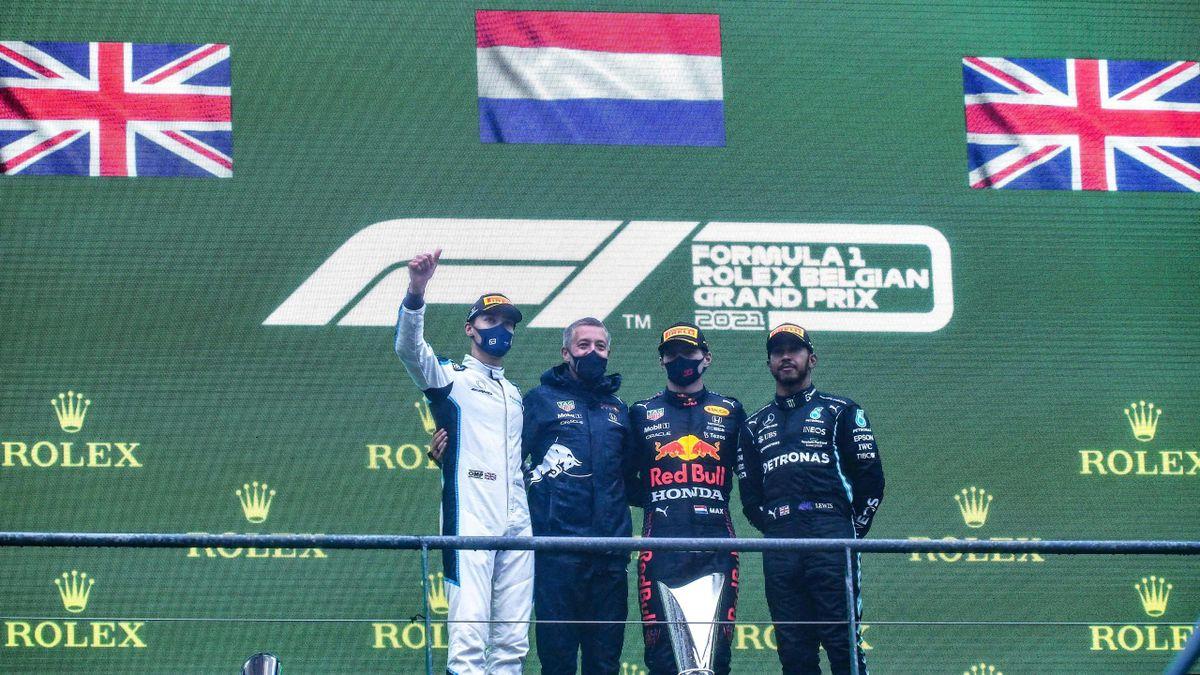 George Russell, Max Verstappen et Lewis Hamilton sur le podium du Grand Prix de Belgique 2021