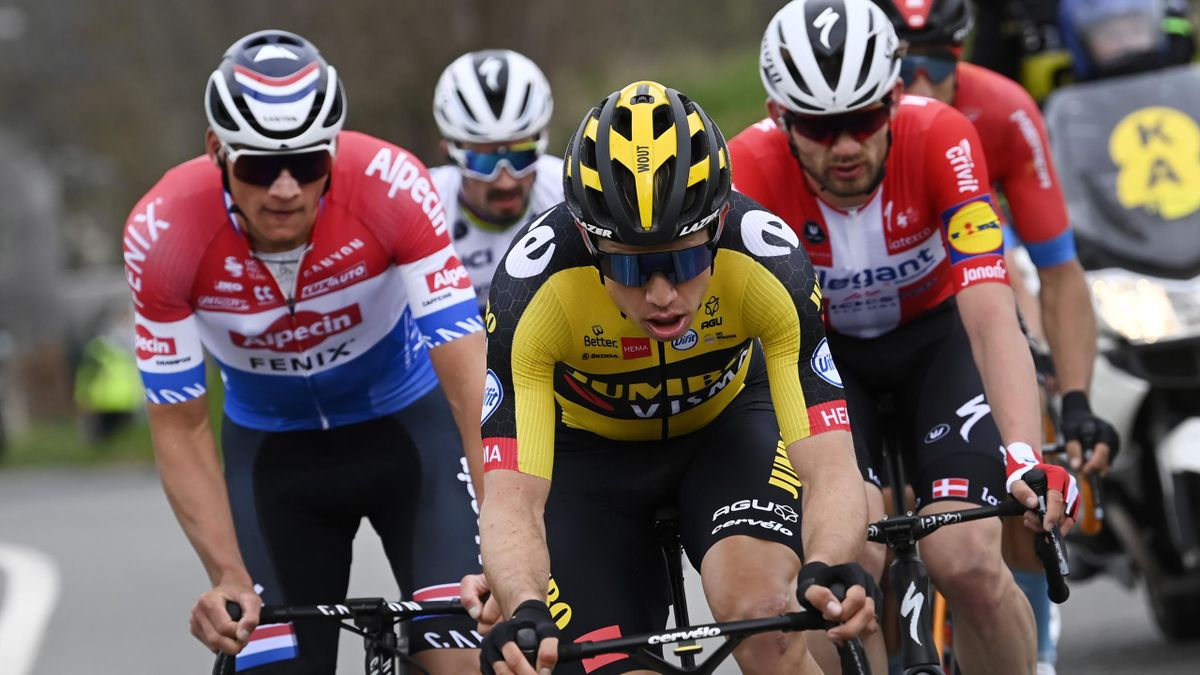 Dutch Mathieu van der Poel of Alpecin-Fenix and Belgian Wout Van Aert of Team Jumbo-Visma pictured in action during the 105th edition of the 'Ronde van Vlaanderen