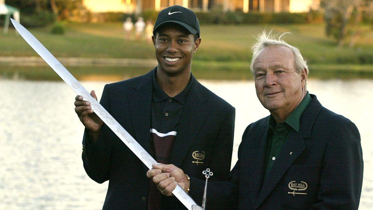 Tiger Woods et Arnold Palmer.