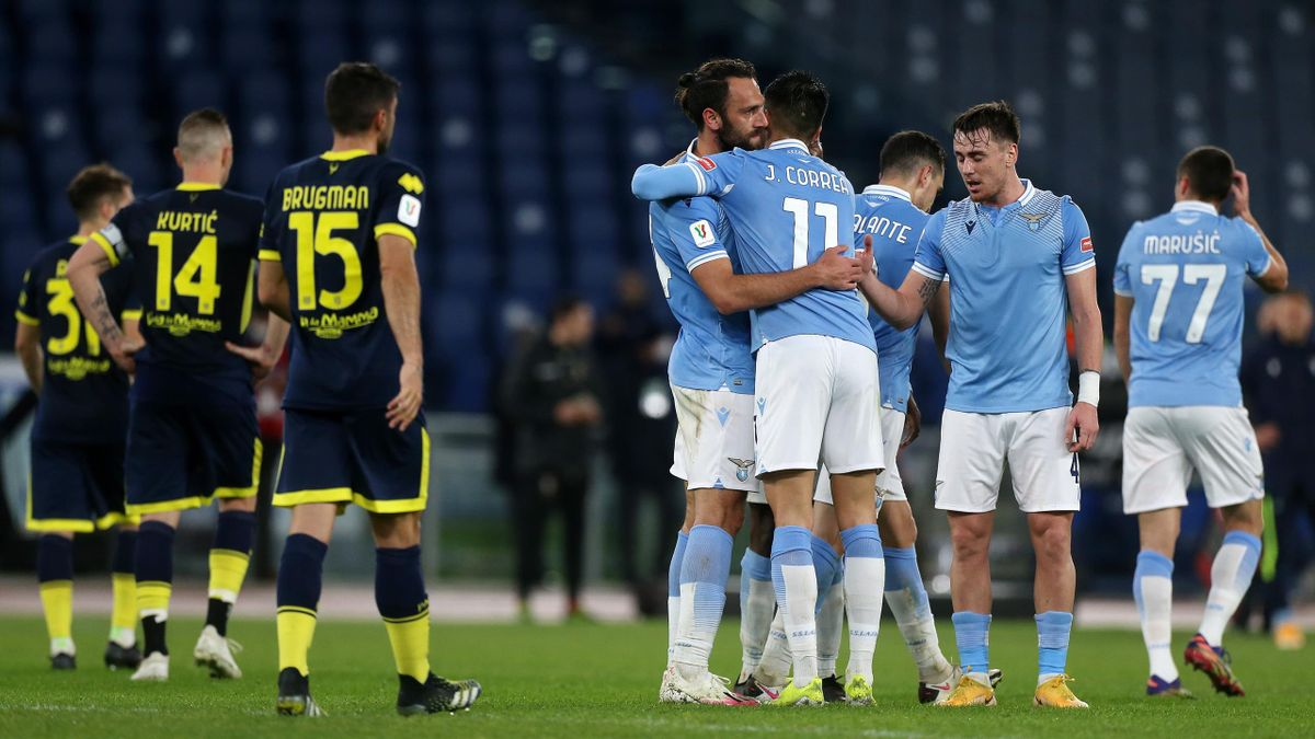 La Lazio esulta per la vittoria contro il Parma