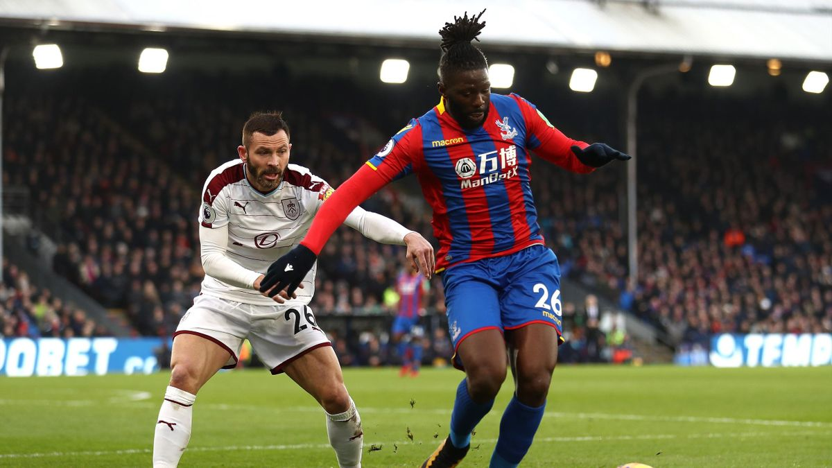 Bakary Sako scores for Crystal Palace against Burnley