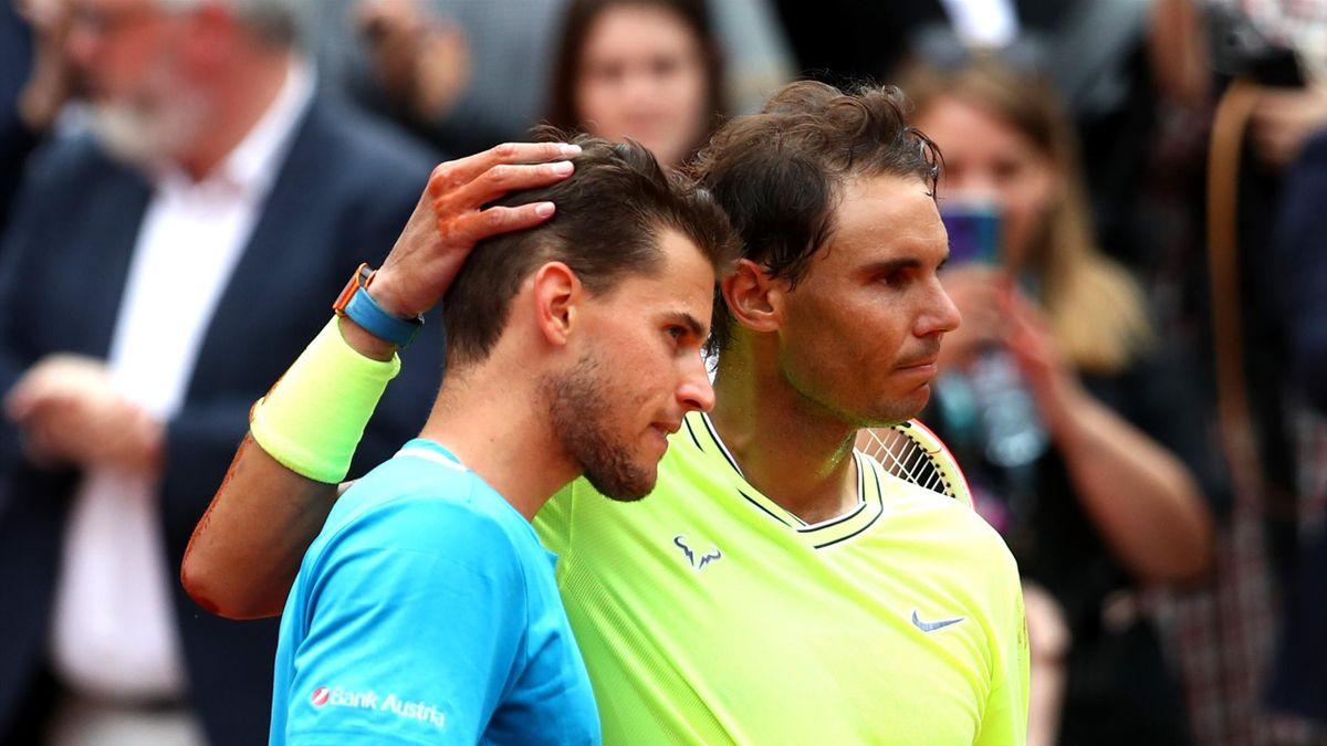 Dominic Thiem consolé par Rafael Nadal