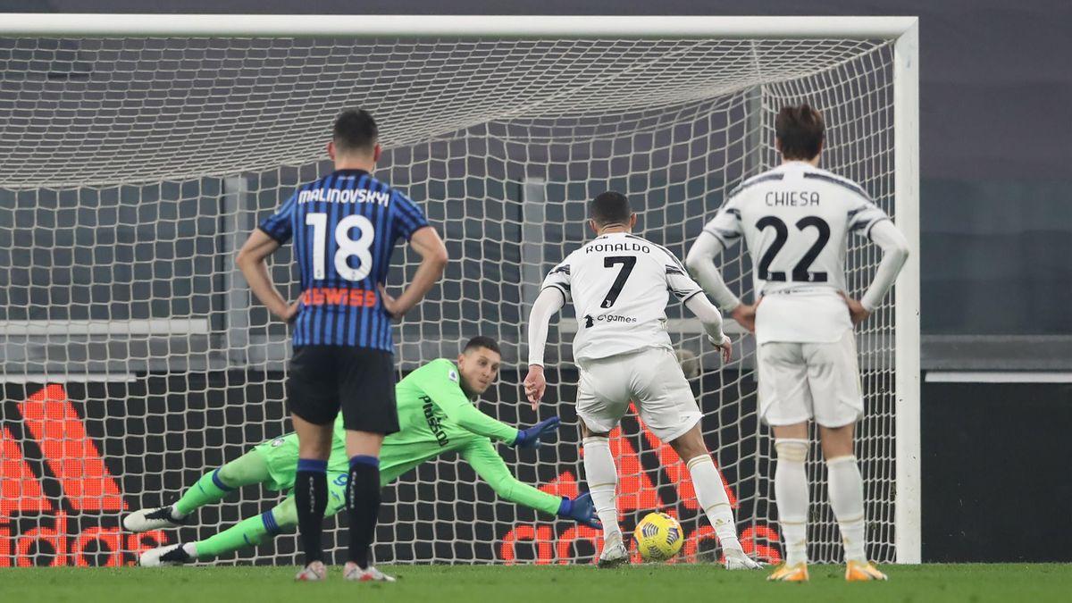 Cristiano Ronaldo (Juventus Turin) scheitert gegen Atalanta Bergamo vom Punkt