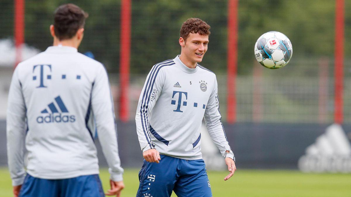 Benjamin Pavard im Training des FC Bayern