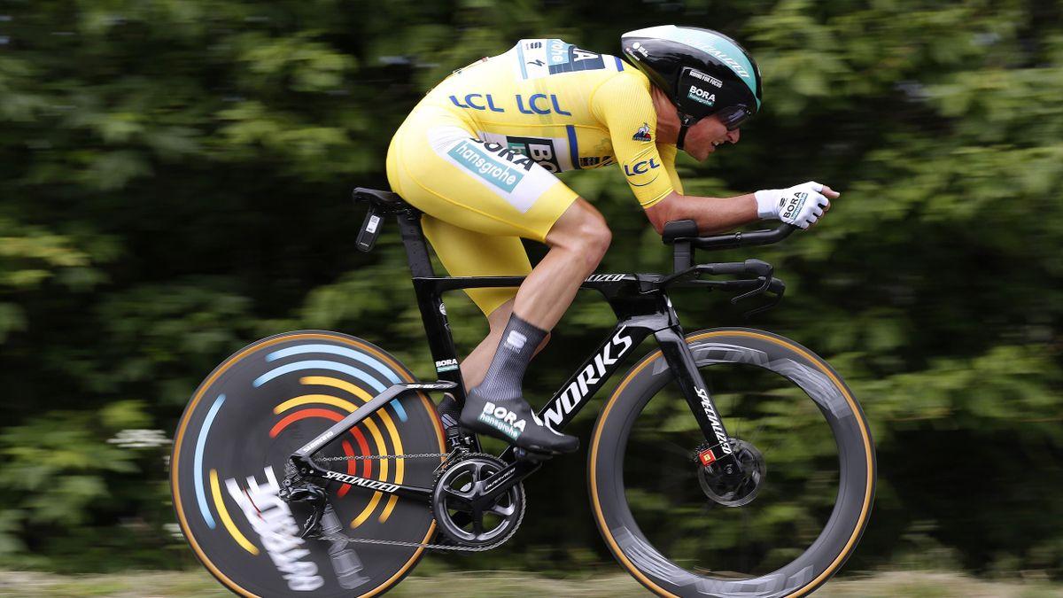Lukas Pöstlberger im Gelben Trikot beim Einzelzeitfahren auf der 4. Dauphiné-Etappe