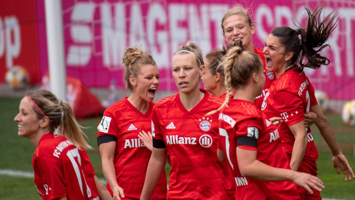 Die Frauen des FC Bayern feierten einen mühsamen Sieg bei Schlusslicht Jena