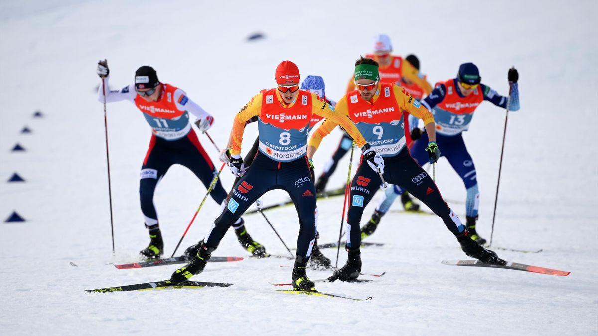 Eric Frenzel (l.) und Fabian Rießle (r.) bei der Nordischen Ski-WM in Oberstdorf