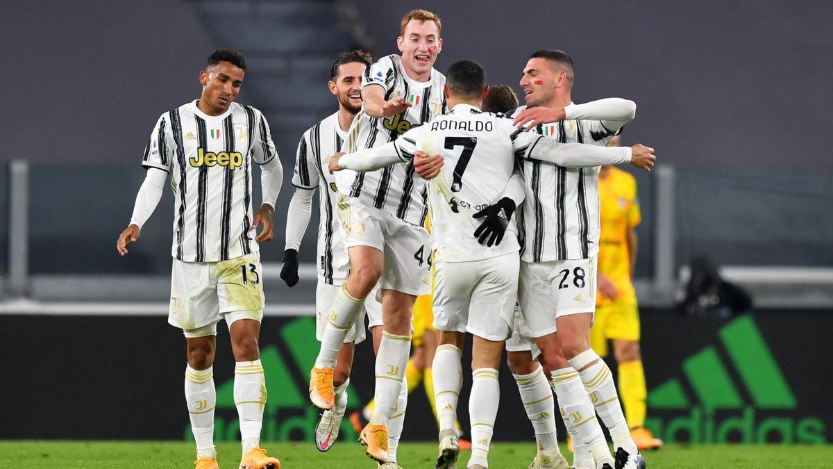 Cristiano Ronaldo esulta in Juventus-Cagliari