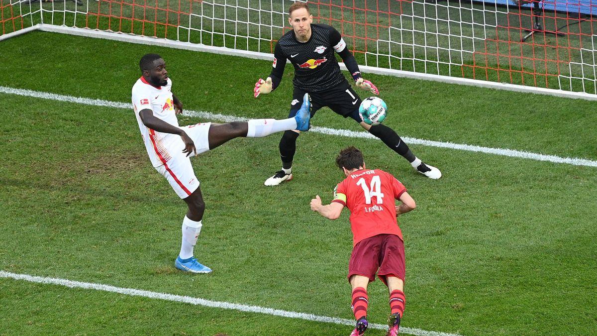 Jonas Hector scores - 1. FC Köln vs. RB Leipzig