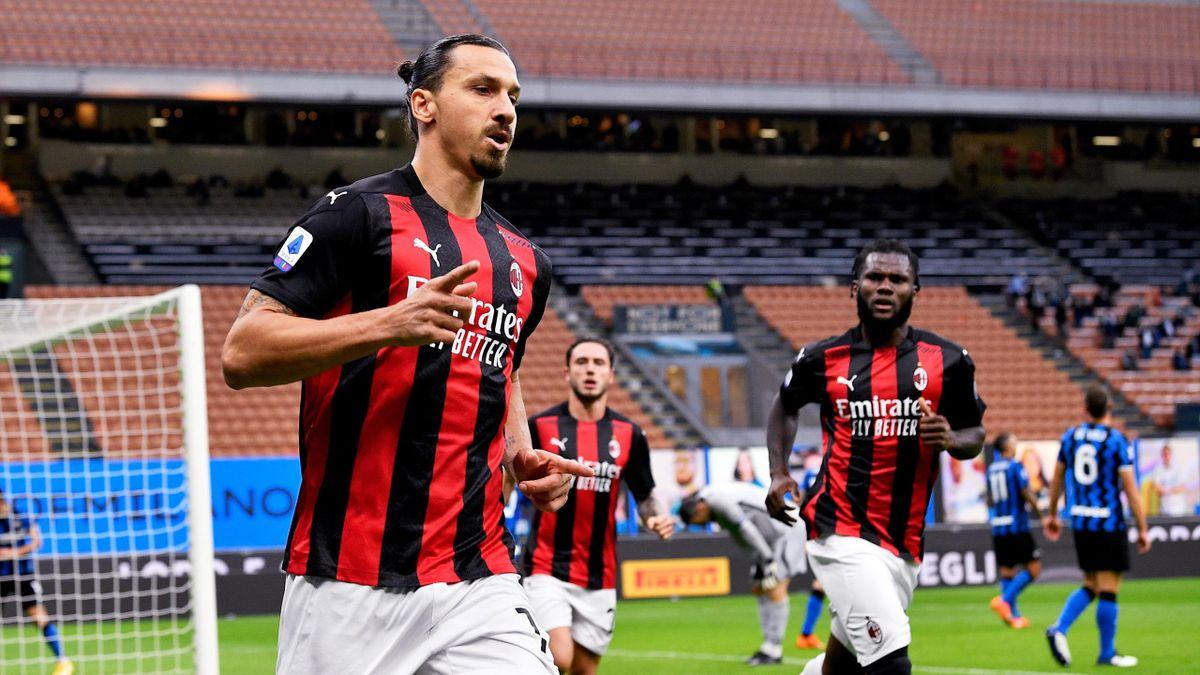 Inter-Milan, Ibrahimovic esulta dopo il gol dell'1-0