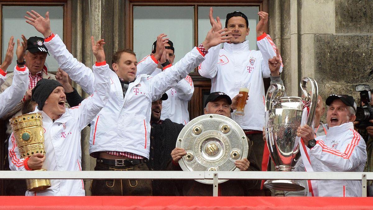 Der FC Bayern München bejubelt den Triple-Sieg