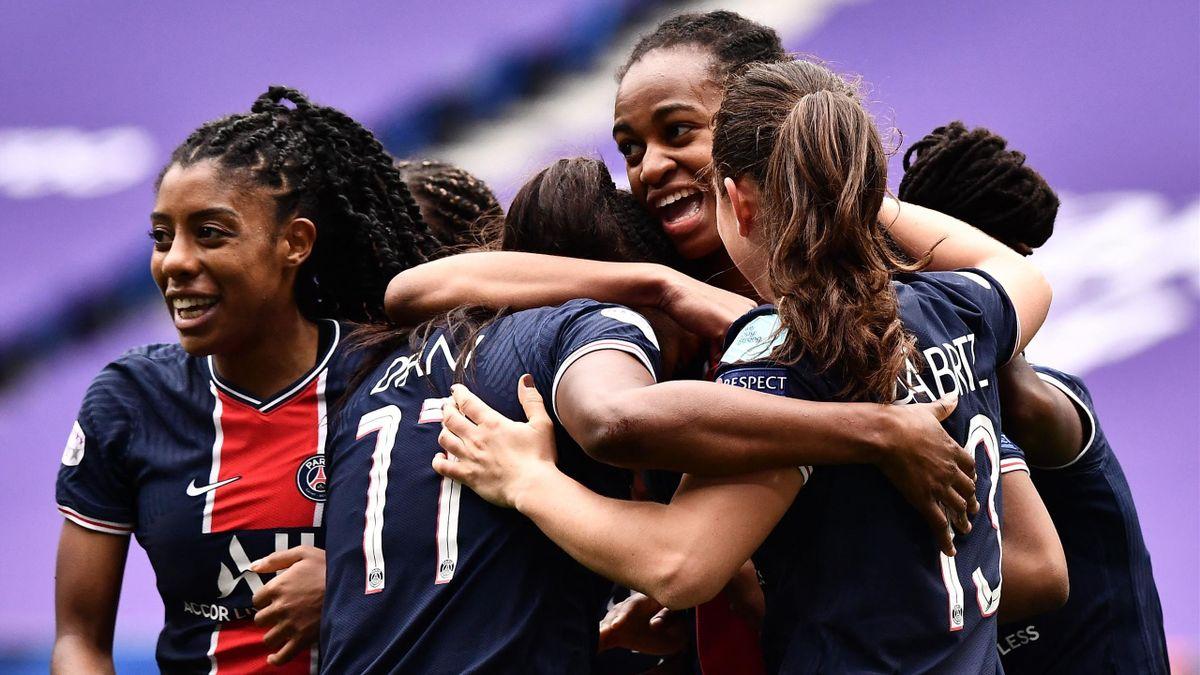 Les Parisiennes après avoir pris l'avantage face à Lyon, en quart de finale retour de Ligue des champions, le 18 avril 2021