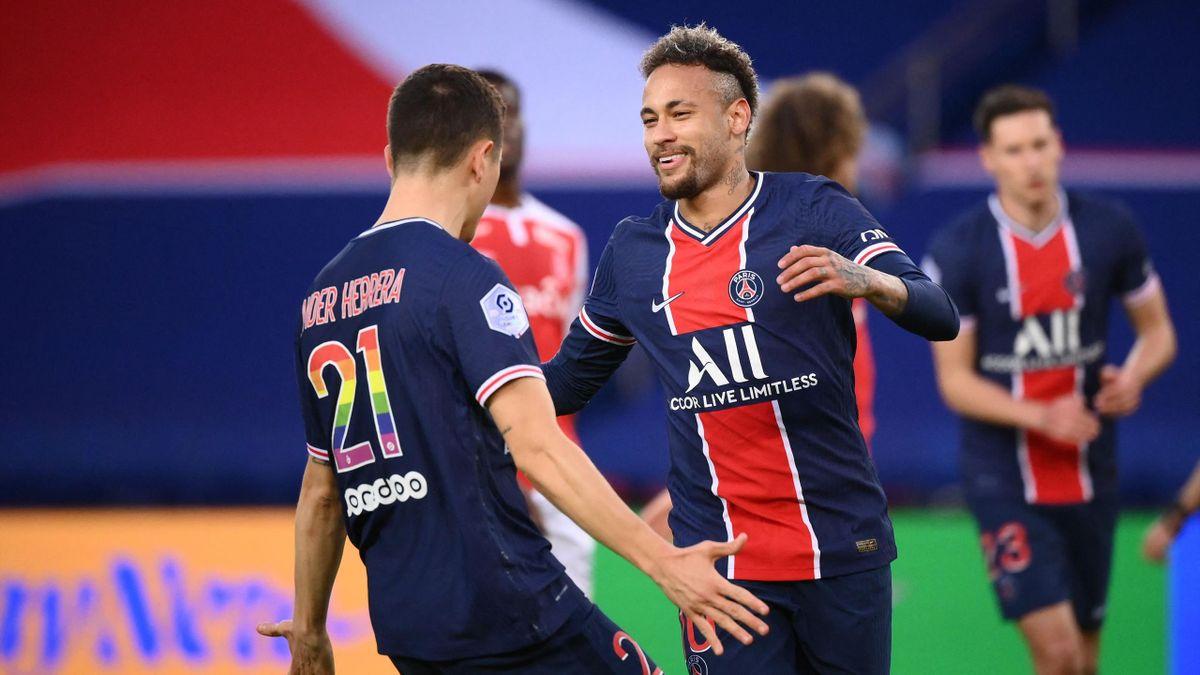 Paris Saint-Germain jubelt über den Heimsieg gegen Stade Reims