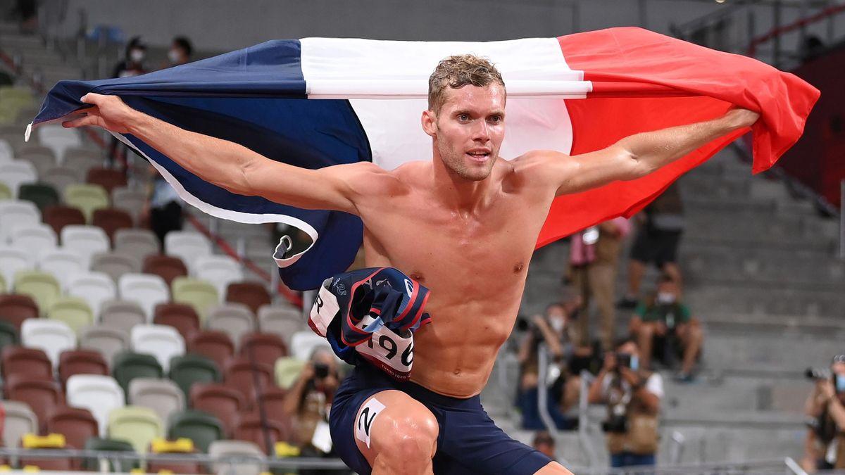 Kevin Mayer à l'arrivée du décathlon aux Jeux Olympiques de Tokyo 2020