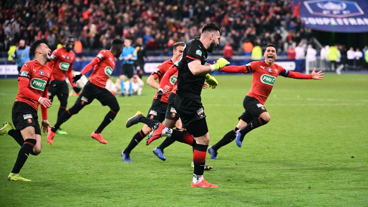 Rennes' Czech goalkeeper Tomas Koubek celebrates after Paris Saint-Germain's French midfielder Christopher Nkunku failed to score during the penalty shout-out of the French Cup final football match between Rennes (SRFC) and Paris Saint-Germain (PSG), on A