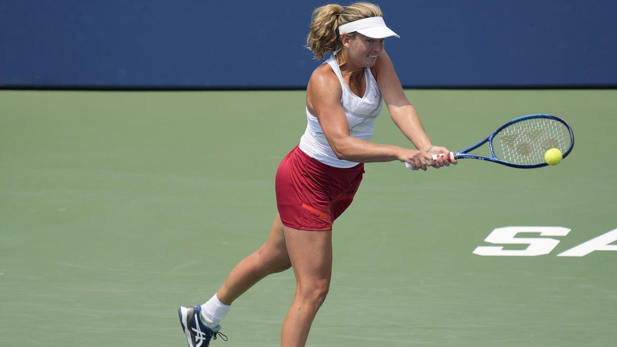 CoCo Vandeweghe has attempted to clear up a strange warm-up video which attracted attention on social media