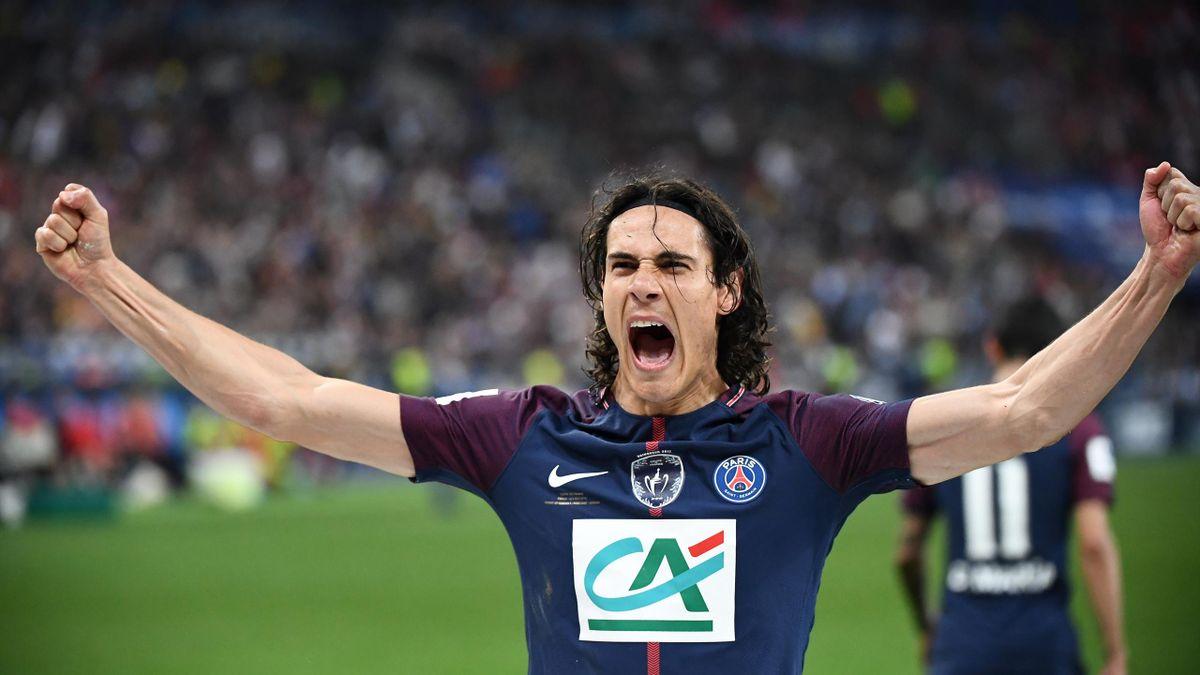 Cavani bejubelt sein Tor zum 2:0