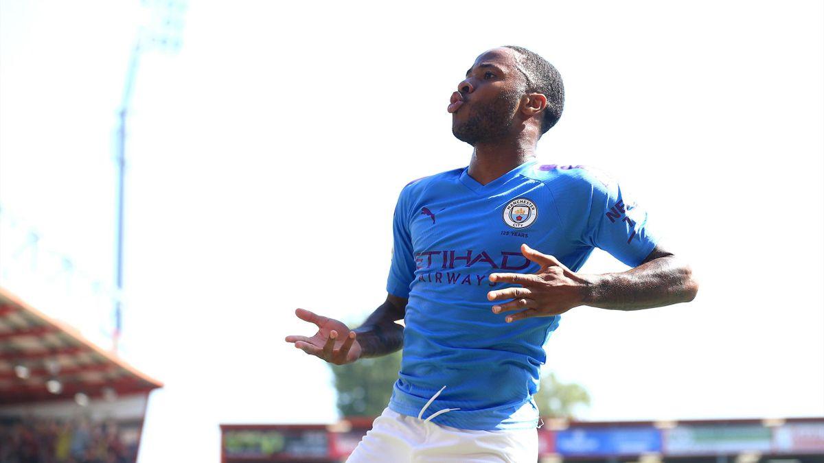 L'esultanza di Sterling dopo il gol del raddoppio al Bournemouth