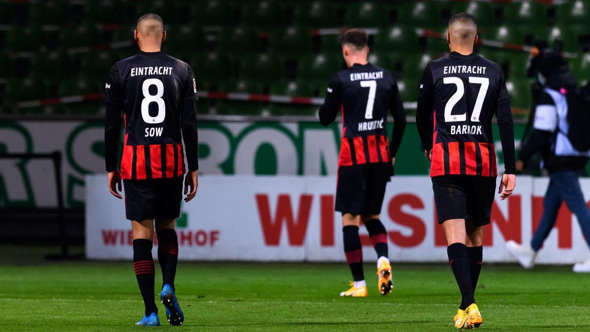 Die Eintracht-Spieler sind nach der Niederlage gegen Werder Bremen bedient
