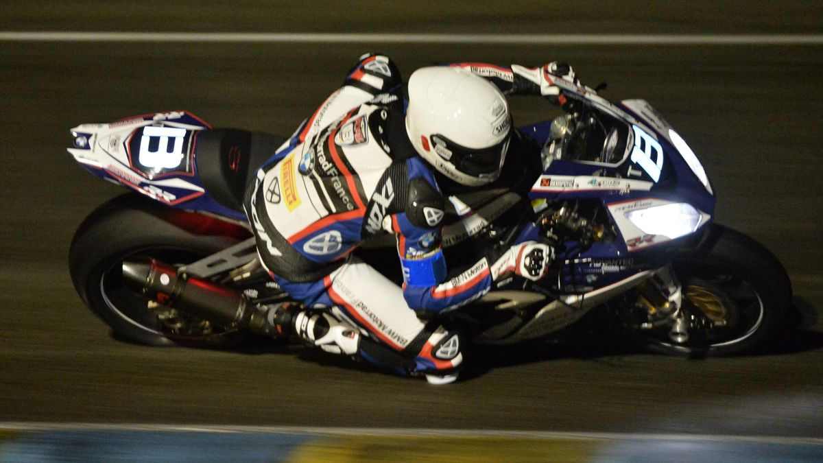 Mathieu Gines on BMW S 1000 RR Formula EWC N°13 competes during the night qualifying session of the 39th Le Mans 24-hours endurance race on April 7, 2016