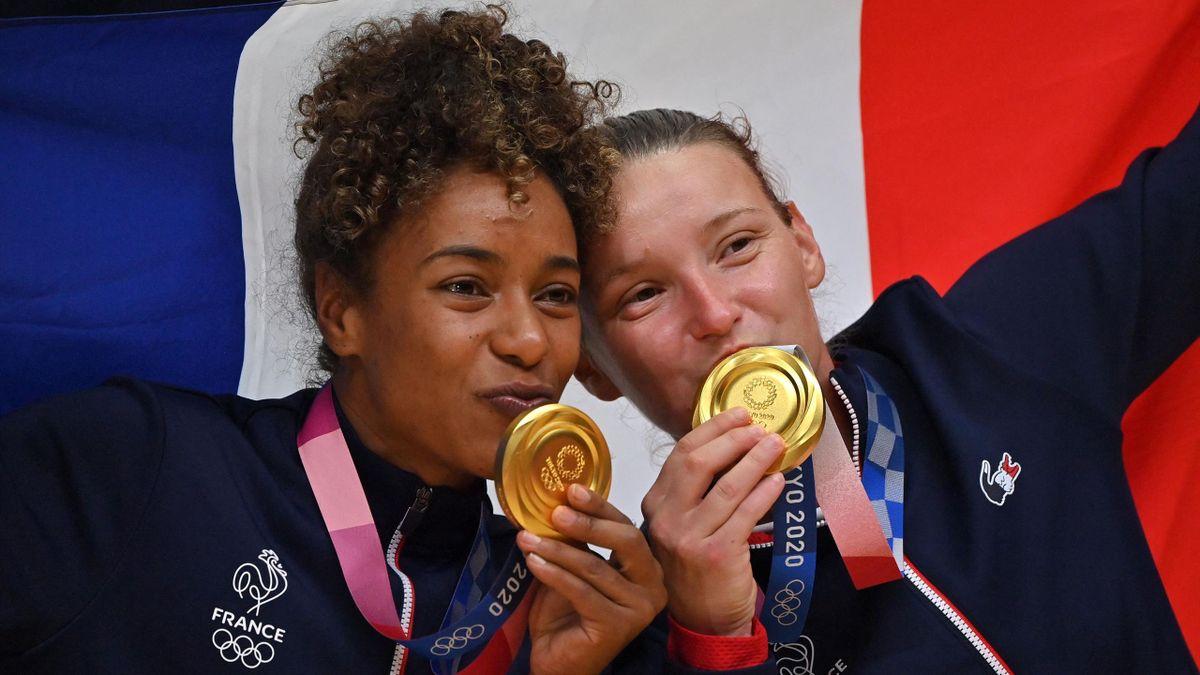 Estelle Nze Minko et Amandine Leynaud avec leur médaille d'or